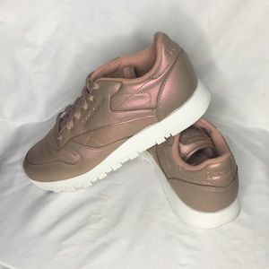 pistola excepción comer  Reebok Shoes | Reebok Classic Leather Pearlized Rose Gold | Poshmark